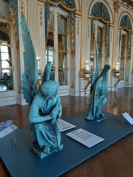 Statue de l'ange de saint Matthieu et Statue de l'aigle de saint Jean