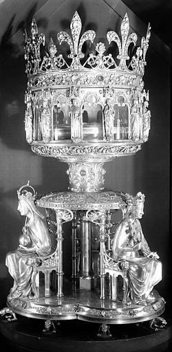 Reliquaire de la Couronne d'épines, 1862. Cliché AP62P01061. © Jean Gourbeix / Médiathèque de l'architecture et du patrimoine.