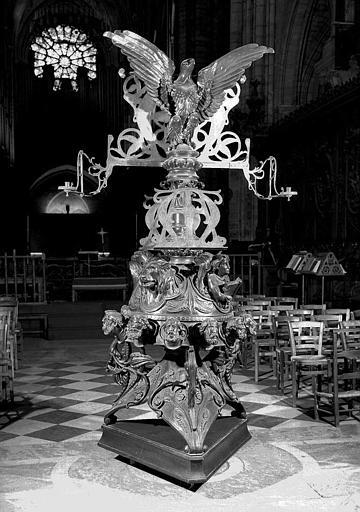 Lutrin monumental, par Poussielgue-Rusand, 1868, bronze et fer doré © Médiathèque de l'architecture et du patrimoine