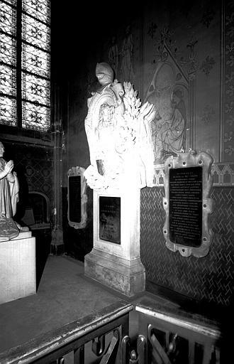 Monument funéraire du maréchal de Guébriant et son épouse, remonté d'après un dessin de Viollet-le-Duc. Classé au titre des monuments historiques, 11 septembre 1974. © Jean Gourbeix / Médiathèque de l'architecture et du patrimoine