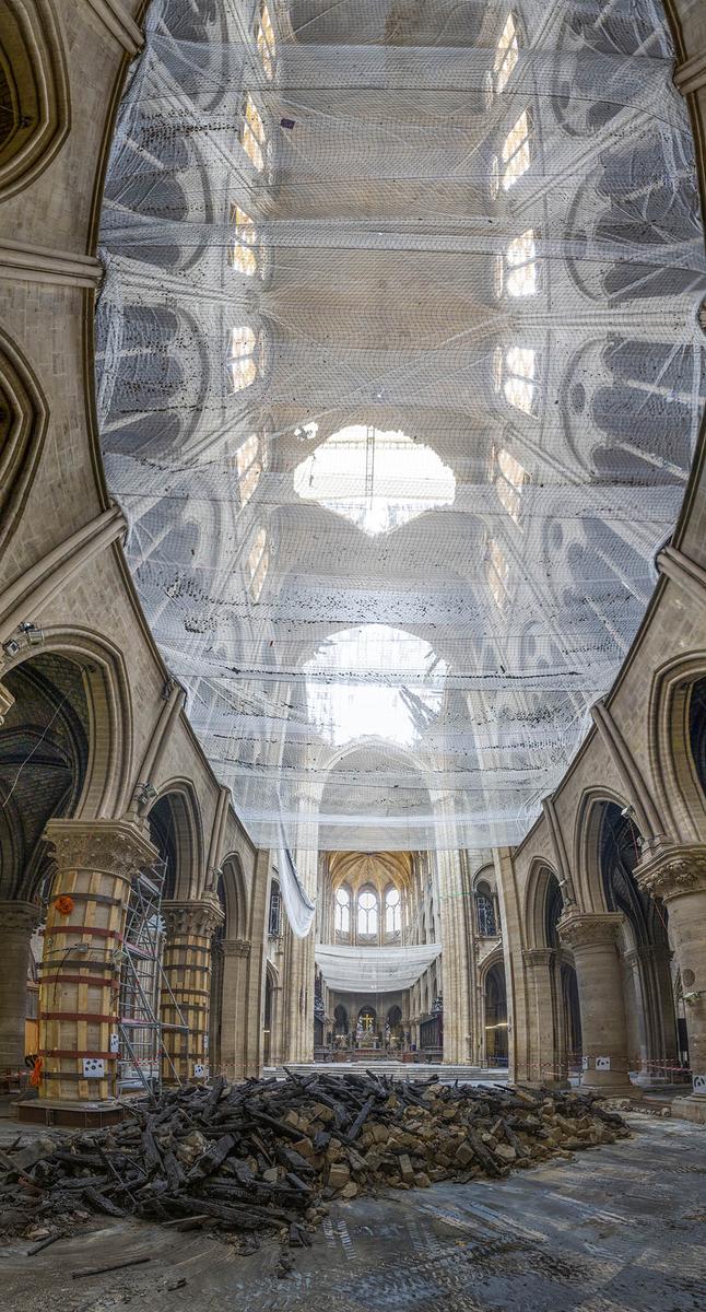 Intérieur de la cathédrale Notre-Dame de Paris