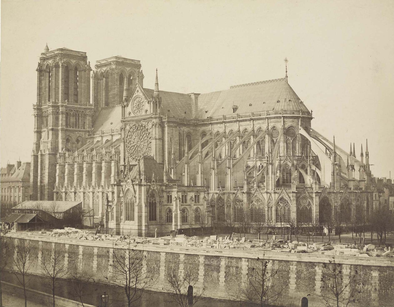 La cathédrale Notre-Dame prise du sud-est, depuis le quai Montebello, Bisson v. 1857-1858