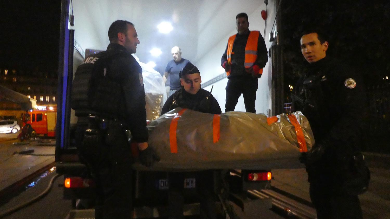 Evacuation de la cathédrale Notre-Dame de Paris le soir de l'incendie